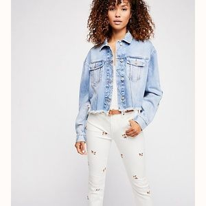 Free People Jeans - Driftwood Free People Candace Crop Jeans 🔥